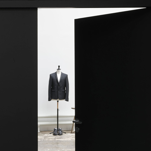 http://cigue.net/wp-content/uploads/2015/07/cigue_kris-van-assche-office_vignette-01.jpg